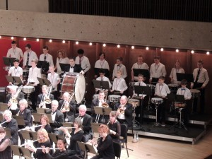 19 Snare Drummers perform with NWS